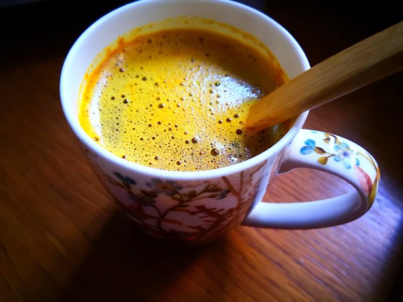 Kurkuma-MCT-Kaffee